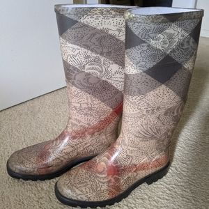Burberry Lace Print Rain Boots